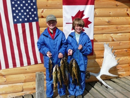 kids-w-walleye-stringer